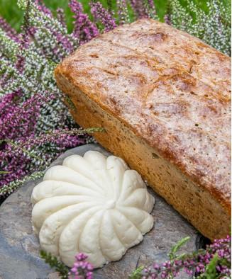 Zestaw bryndza + swojski chleb